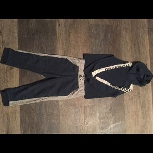 OshKosh outfit size 4T- perfect condition